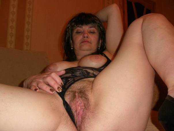 Разгоряченные бабы готовы к сексу
