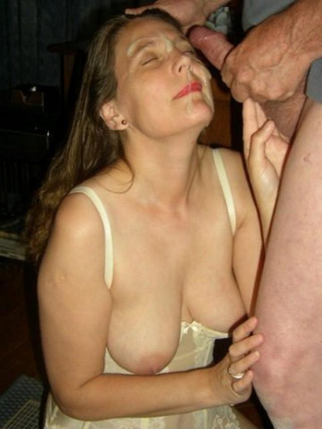 Залитые спермой мордочки девок