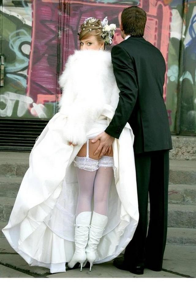 Откровенные невесты показывают хорошие тела