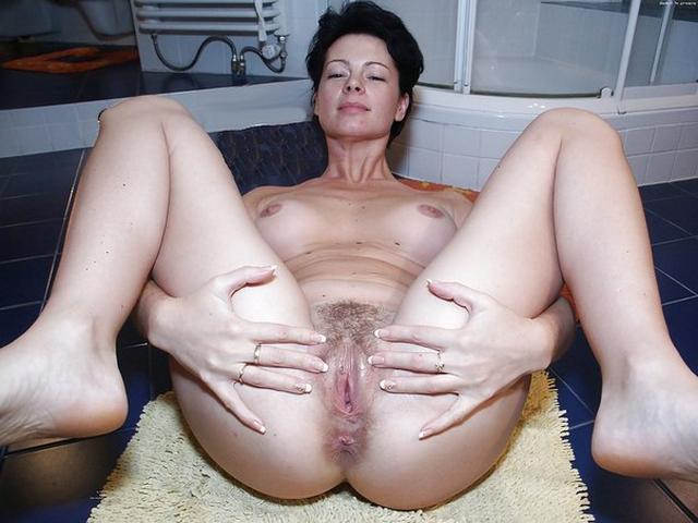 Огромные дырки зрелых мадам