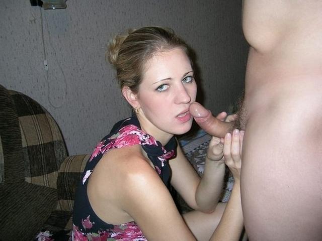Шикарные развратницы отсасывают пенисы