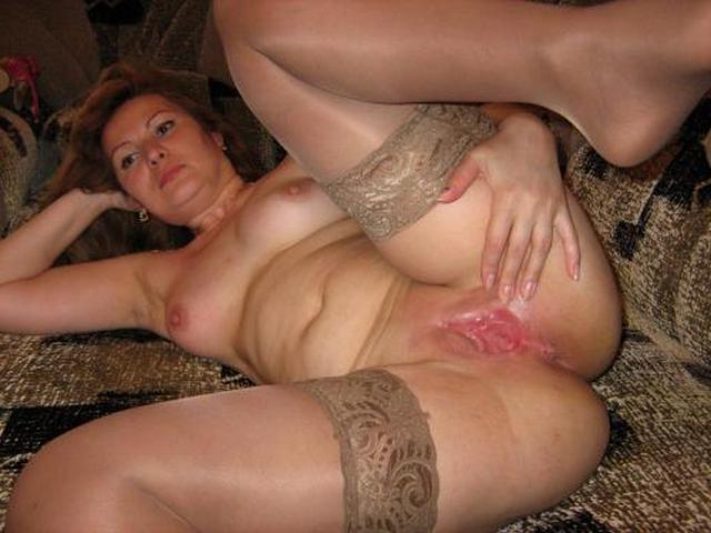 Зрелые дамочки расставляют ноги